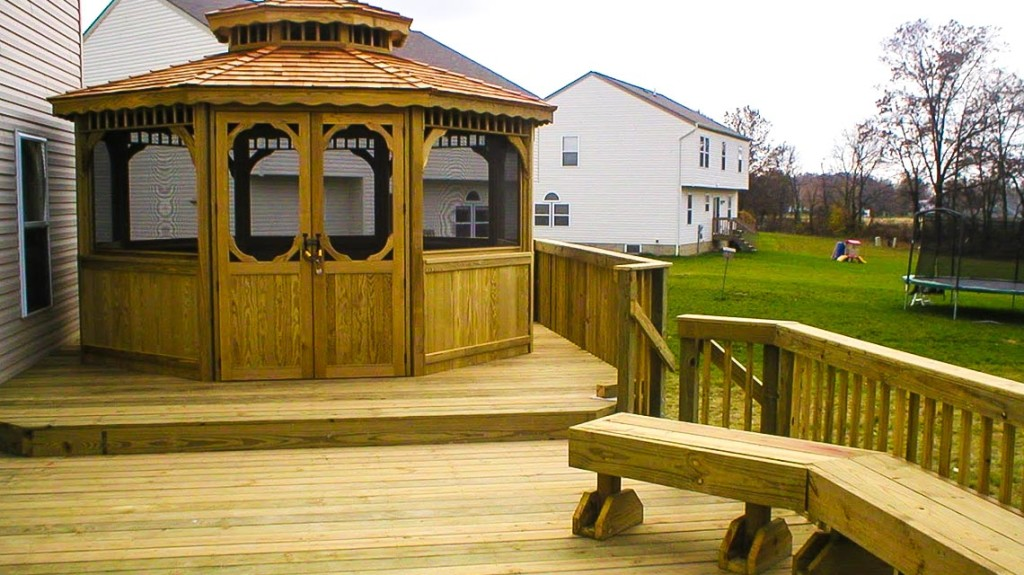 deck builders Columbus Ohio experts with the custom plans to blow you away